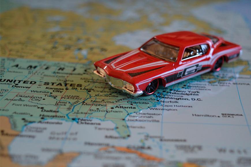 Compartir auto para viajar, una forma de economía colaborativa